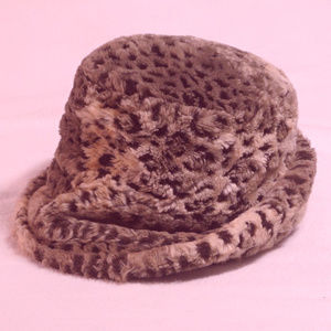 Russian style hat, very flexible size small VGUC